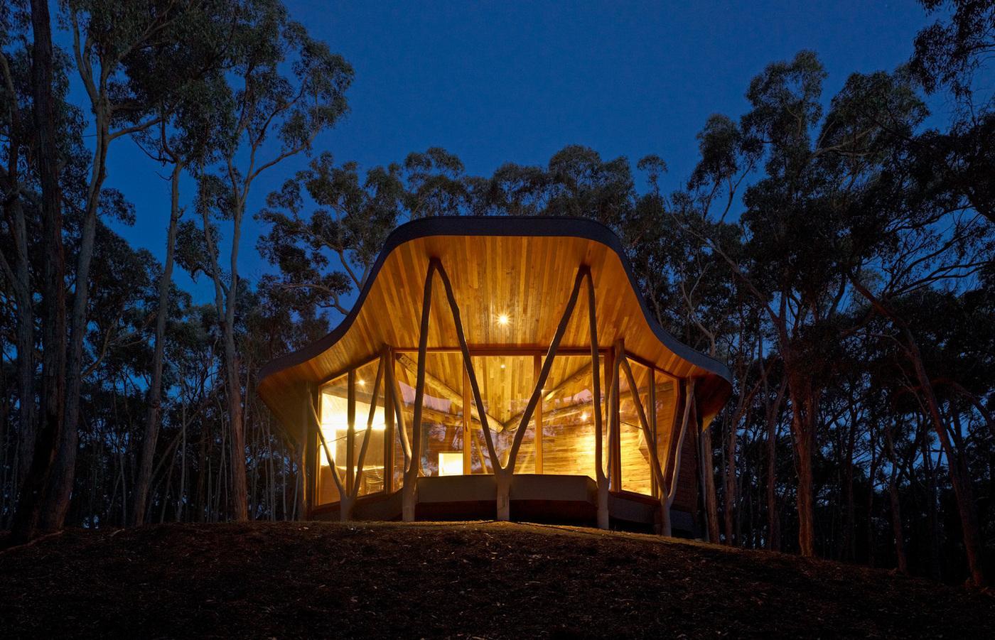 wood cabin outdoor, wooden beam