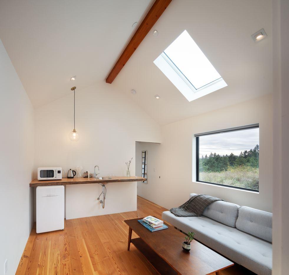 wood floor, beam and furniture