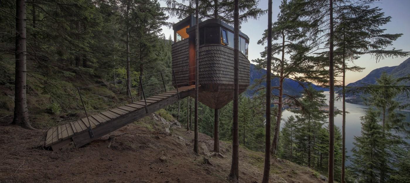 Wood treehouse cabin