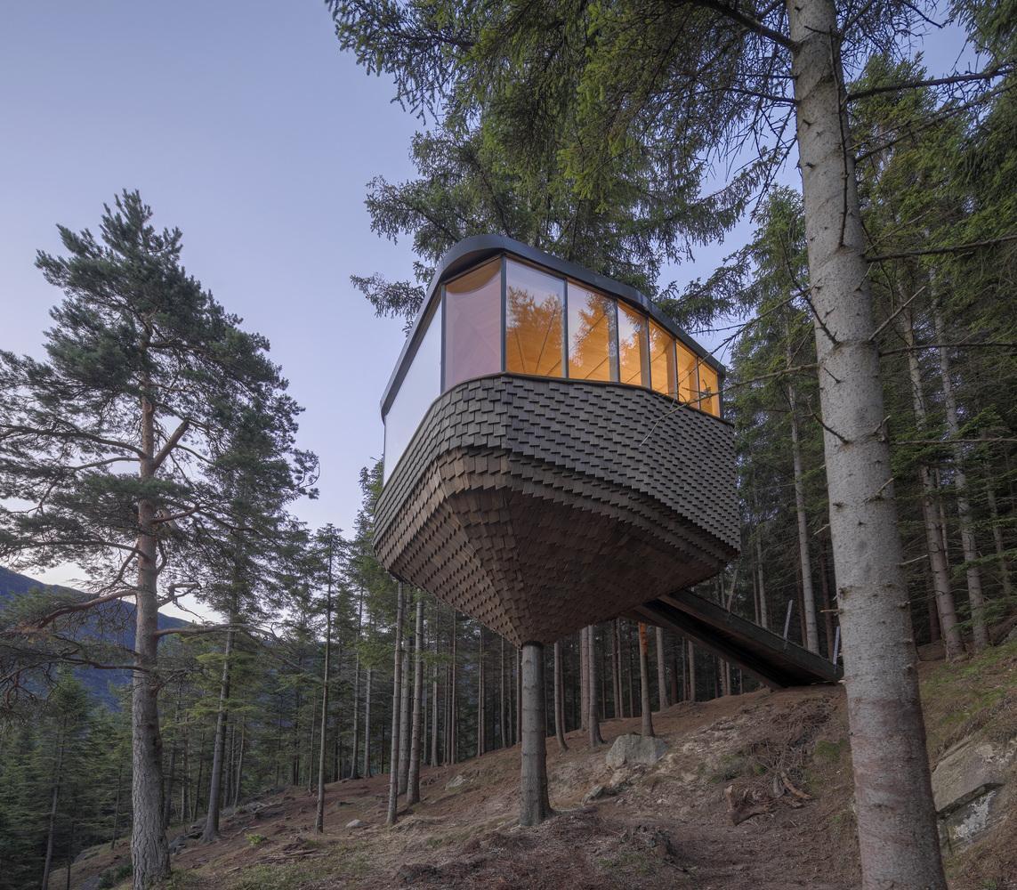 Treehouse cabin wood design ideas